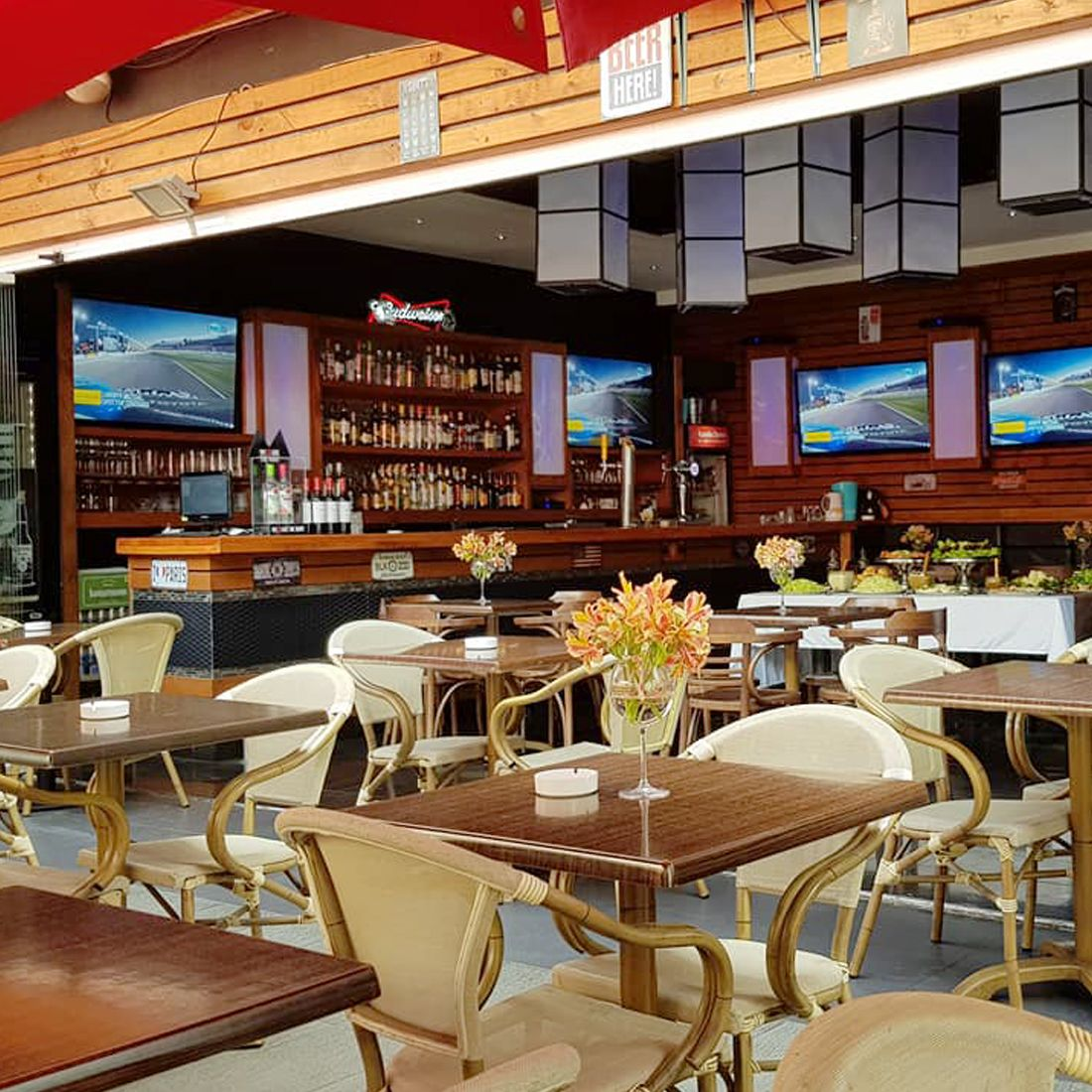 SANBAR Restaurante - Reserva en restaurantes de Comida AMERICANA - ÑUñOA - MESA 24/7 | SANTIAGO - Perú
