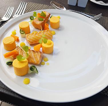 RESTAURANT Ré - TERRAZA Restaurante - Reserva en restaurantes de Comida INTERNACIONAL - LAS CONDES - MESA 24/7 | SANTIAGO - Perú