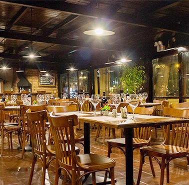 EL CACHAFAZ Restaurante - Reserva en restaurantes de Comida CARNES Y PARRILLAS - BARRANCO - MESA 24/7 | LIMA - Perú