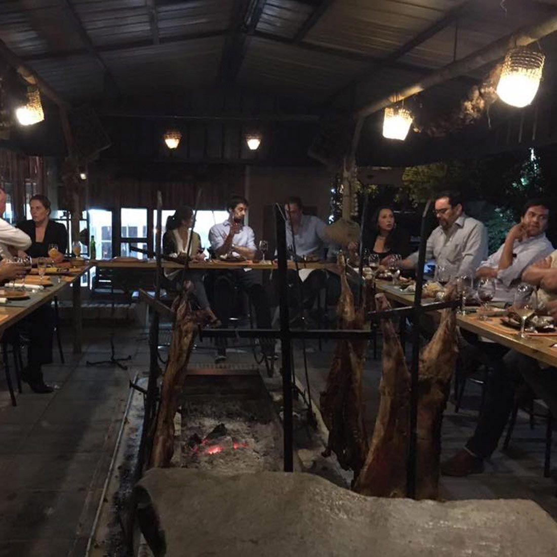 EL MESON DE LA PATAGONIA Restaurante - Reserva en restaurantes de Comida CARNES - LO BARNECHEA - MESA 24/7 | SANTIAGO - Perú