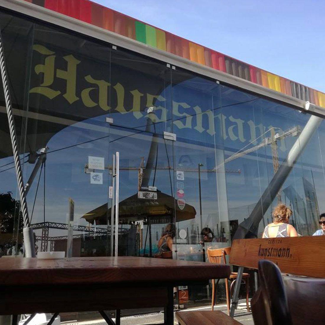 HAUSSMANN CHICUREO Restaurante - Reserva en restaurantes de Comida SANDWICHES Y PIQUéOS - COLINA - MESA 24/7   SANTIAGO - Perú