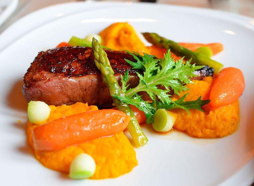 Castillo forestal restaurante reserva en restaurantes de for Comida francesa en lima