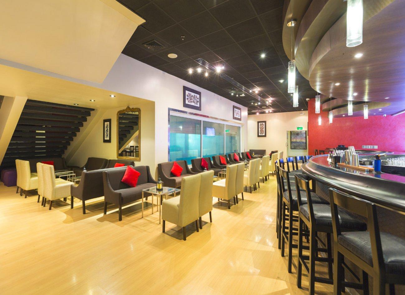 OCEANUS LOUNGE - DELFINES HOTEL Restaurante - Reserva en restaurantes de Comida BAR - TAPAS Y PIQUEOS - SAN ISIDRO - MESA 24/7 | LIMA - Perú