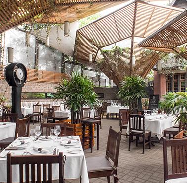 LA CUADRA DE SALVADOR - BARRANCO Restaurante - Reserva en restaurantes de Comida CARNES Y PARRILLAS - BARRANCO - MESA 24/7 | LIMA - Perú